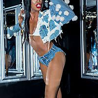 16-07-23 | Naomi Smalls